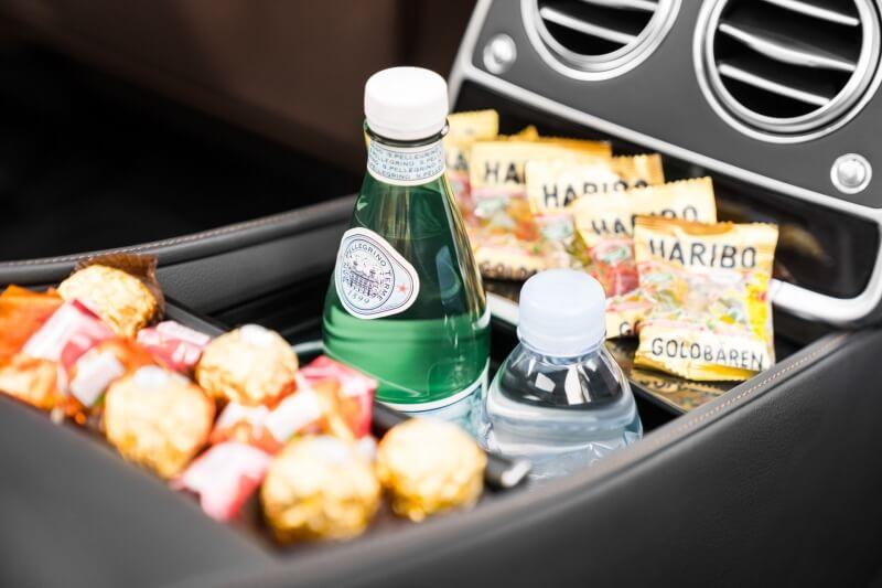 limousine-snacks